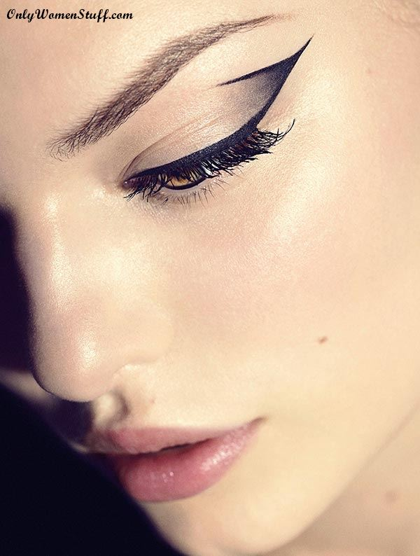 Professional Cat Eye Makeup Tricks from Makeup Artists