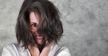 5 Tips to Control Unmanageable Aging Hair