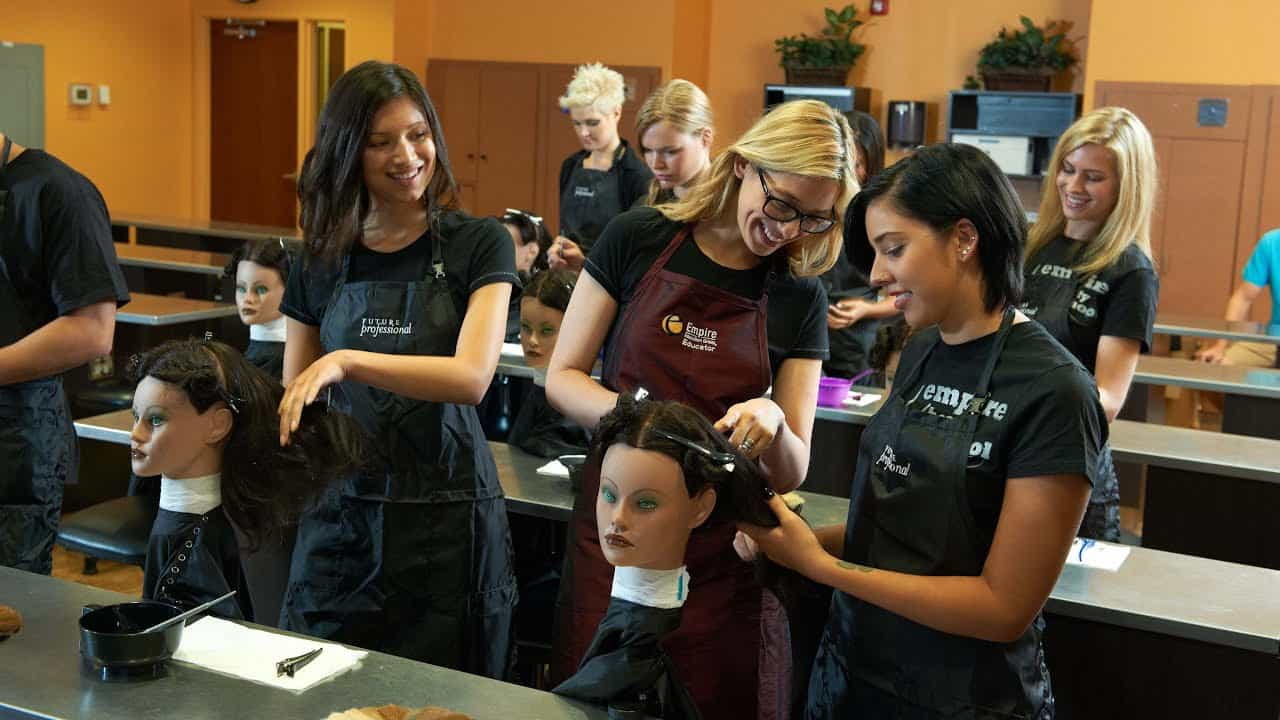 Choosing the Right Cosmetology School