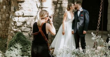 11 Top Tips For Creating Great Pictures For Engagement Photographers